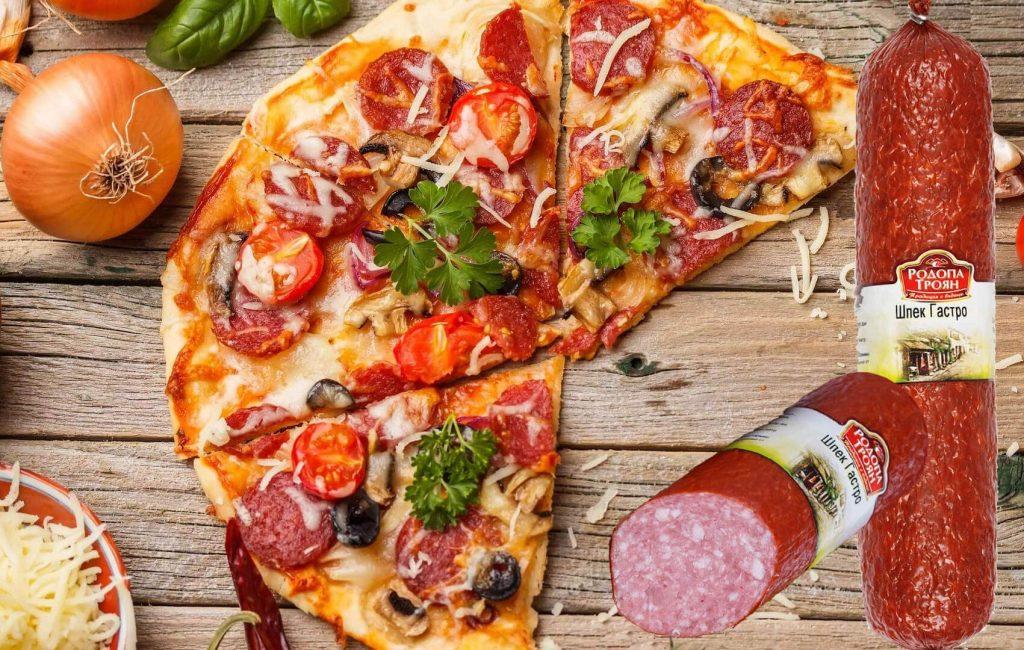 Вкусна домашна пица с шпек Гастро. Изпробвана рецепта за домашна пица.